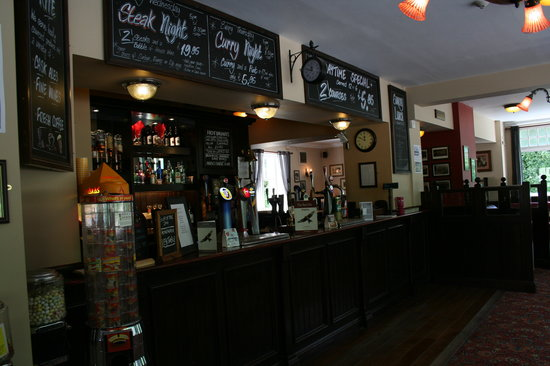 The Red Kite Pub: The bar at The Red Kite