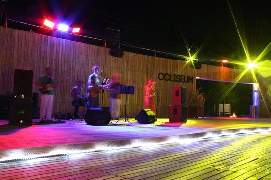 D Maris Bay: Live music at Coliseum Beach Bar