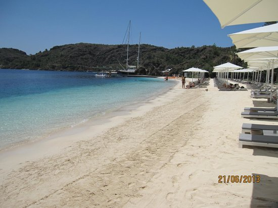 D Maris Bay: The biggest of five beaches