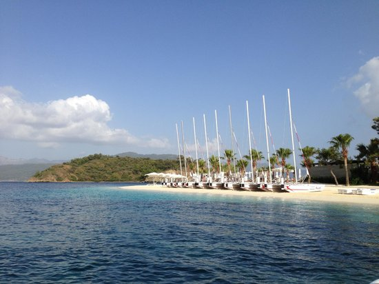 D Maris Bay: Catamarans to take or for lessons