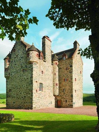 Forter Castle: Exterior
