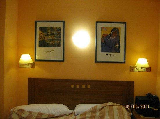 Hotel Paris Centro: room