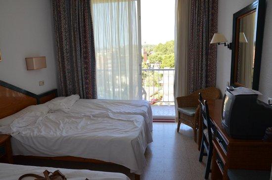 Valentin Park Clubhotel: Dreibettzimmer mit Balkon