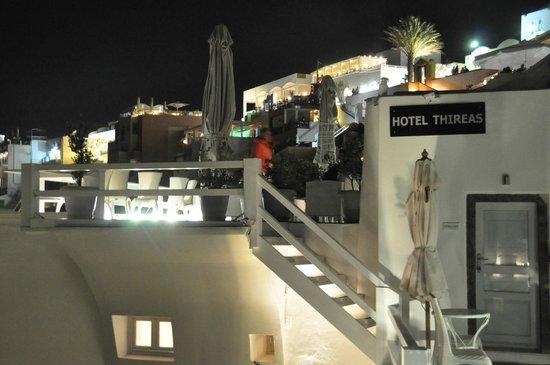 Hotel Thireas: Entrance
