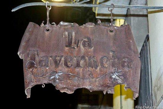 La taverneta : un cartel muy autentico