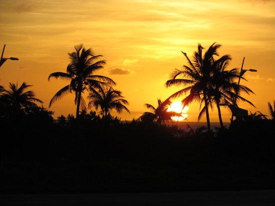 WorldMark Isla Mujeres : Island sunset.