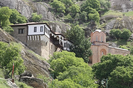 St. Archangel Michael Monastery: Klooster met kloosterkerk