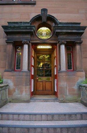 Kirklee Hotel: Front entrance