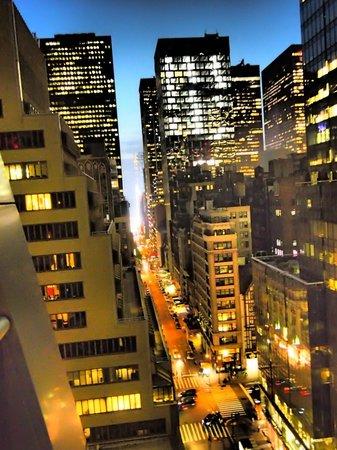 The Gotham Hotel: Zimmeraussicht nach vorne raus