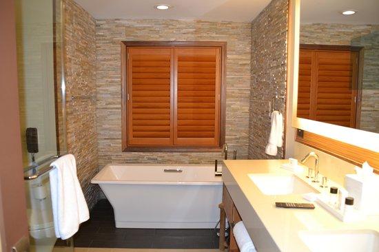 Villas of Grand Cypress: Banheiro maravilhoso!