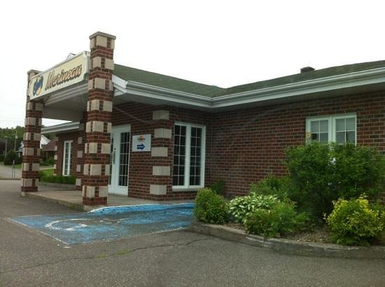 Photo of Chez Marineau - Hotel Des 10 Shawinigan