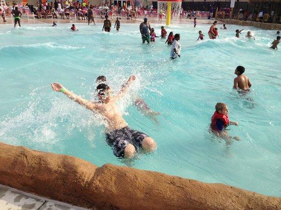 West Berlin, NJ: wave pool