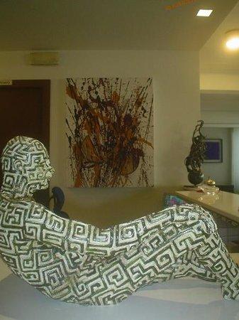 san benedetto del tronto men Residence a san benedetto del tronto situato vicino la spiaggia di san benedetto del tronto, il residence oltremare ha appartamenti monolocali, bilocali e trilocali.