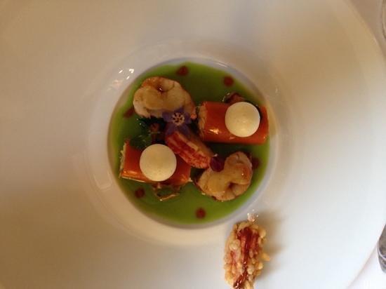 Maison Lameloise : homard poivre de cassis