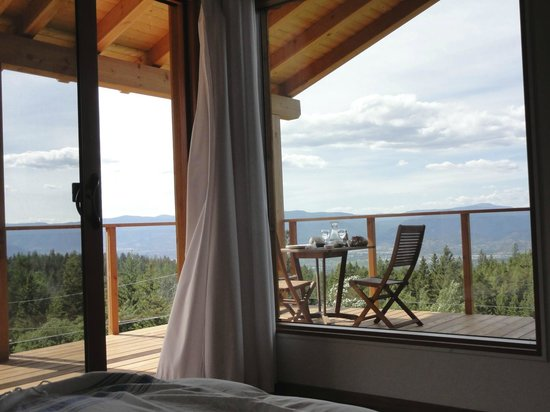 Myra Canyon Ranch B&B: The 'Raven'...A Room With An Awesome View