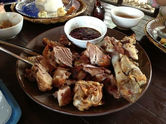 Lolo Nonoy's Food station : crispy pata