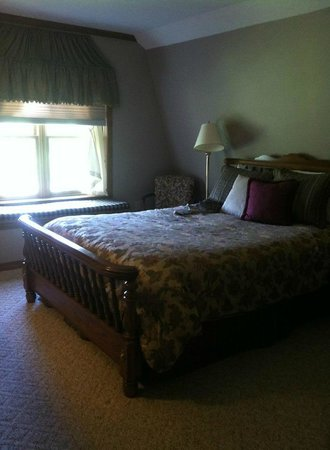 Red Bud Cove Bed and Breakfast Suites: Bedroom!