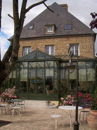 Hotel La Ramade: La véranda