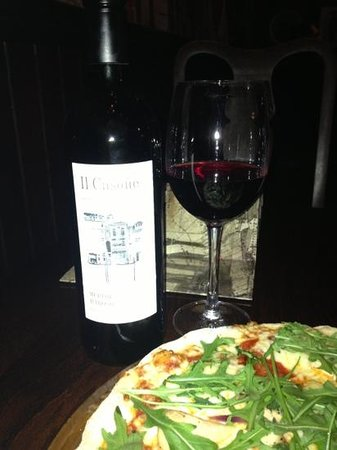 The Ivy house: Great pizza and merlot