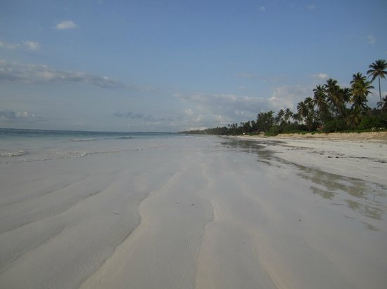 Zanzibar Retreat Hotel: beach