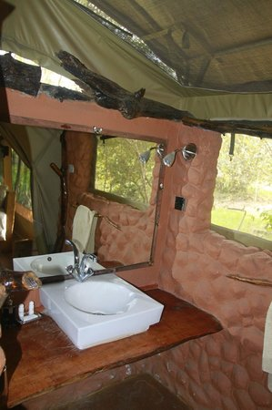 Olumara Camp: bathroom