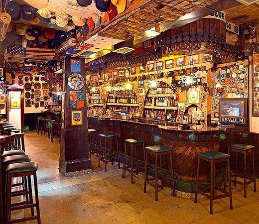 El Mondo Bar
