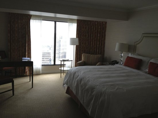 Four Seasons Hotel Vancouver: Room/suite