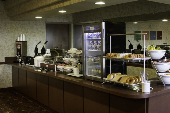 Comfort Suites Waco: Hot Breakfast Buffet