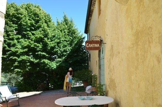 Hotel Fabbrica di San Martino : Office area..cool signs...