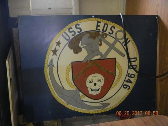 Saginaw Valley Naval Ship Museum: shield