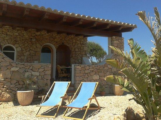 Le Anfore Vacanze : Dammuso Cala Creta