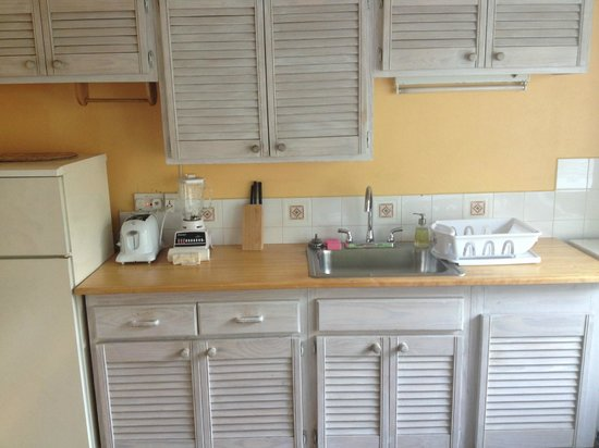 Sugarapple Inn: kitchen