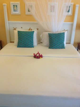 Sugarapple Inn: bed