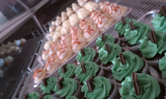 Cupcake Heaven : A few of our flavors