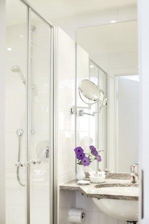Hotel Burgmeier: Badezimmer