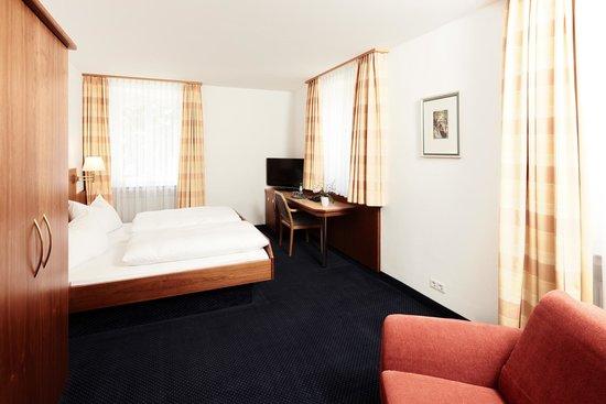 Hotel Burgmeier: Doppelzimmer Standard
