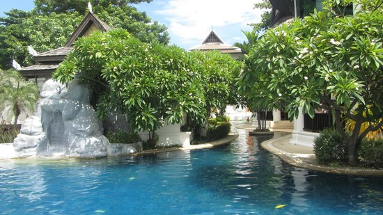 Dara Samui Beach Resort & Spa Villa: The pool