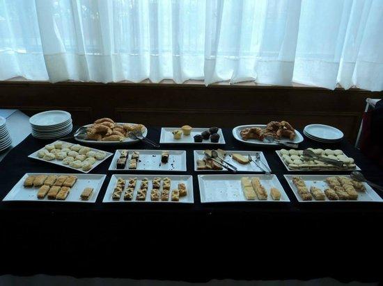 Ramada Buenos Aires: Desayuno