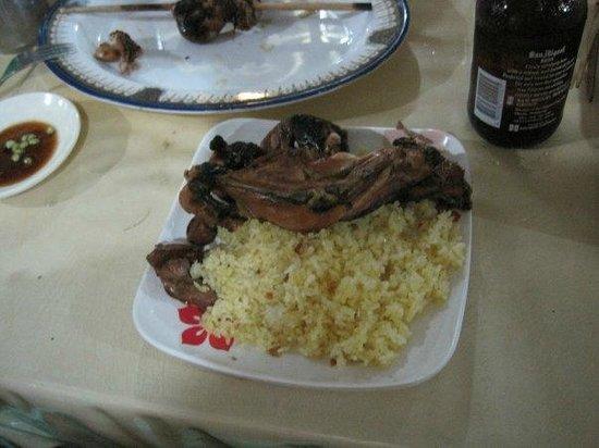 Nena's Beth at Manokan Country : Chicken thigh with garlic rice