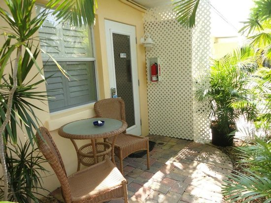 Tropical Beach Resorts: Our little Hideaway room