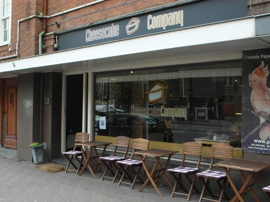 Cheesecake Company : In front of the Cheese Cake company location in TheHague