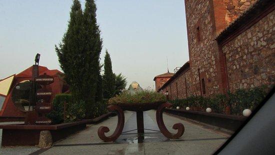 Palacio de la Serna: Exterior