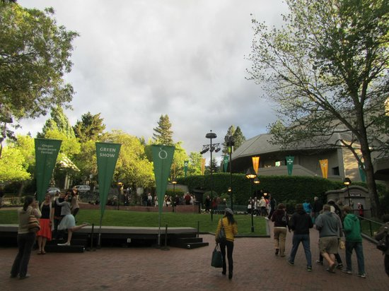 Oregon Shakespeare Festival: Outside of Theaters