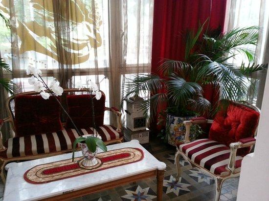 Hostal L' Antic Espai: Room 102 Sun Room / Solarium