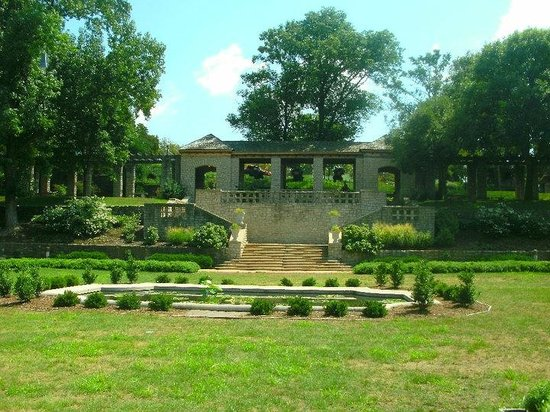 Governor's Mansion: Overview of the Gardens