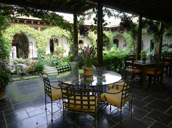 Hotel la Catedral: The central courtyard; eight rooms flank it.