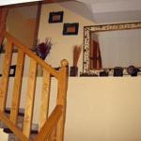 Casa La Abadia: Escaleras de acceso habitaciones