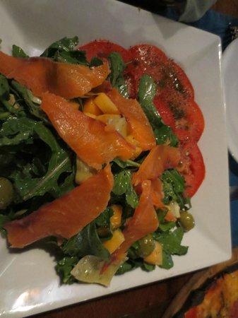 El Cazador Italiano: Salmon salad.