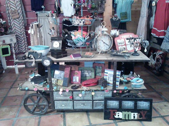 The Shoppes on Main in Salado: Love this!