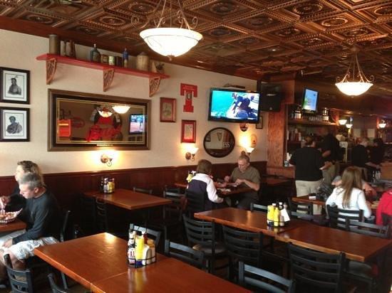 Huron Street Pub & Grill: Add a caption